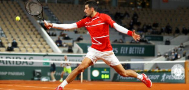 Novak Djokovic gana a Karen Khachanov en Roland Garros 2020. Foto: gettyimages