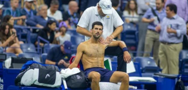 Djokovic recibió la asistencia médica en dos momentos del partido. Foto: Getty
