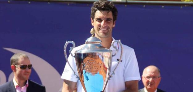 Pablo Andújar posa con su tercer título en Marruecos. Fuente: RFET