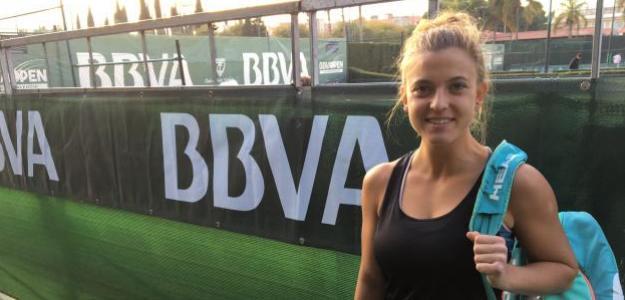 Alba posando en el BBVA Open Ciudad de Valencia. Foto: Fernando Murciego