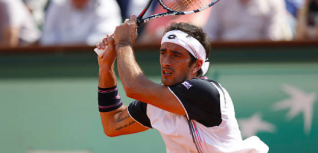 Potito Starace durante uno de sus partidos en Roland Garros. Fuente: Getty