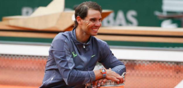 Rafa Nadal posa con su nuevo trofeo. Fuente: Getty