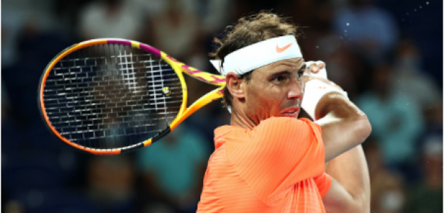Rafael Nadal, espalda en Open de Australia 2021. Foto: gettyimages