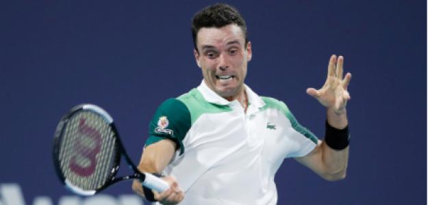 Roberto Bautista gana a Daniil Medvedev en Miami Open 2021. Foto: gettyimages