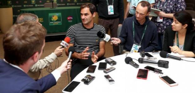 Roger Federer habla con los medios en Indian Wells 2019. Foto: zimbio