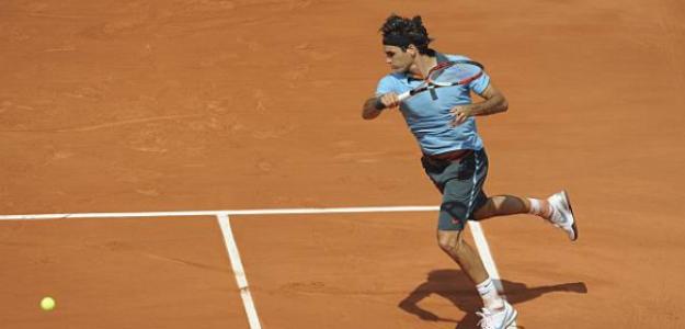 Roger Federer en el momento de golpear ante Haas, RG 2009. Foto: Getty