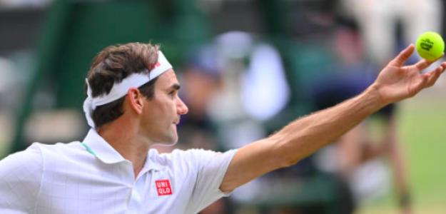 Roger Federer al servicio. Fuente: Getty