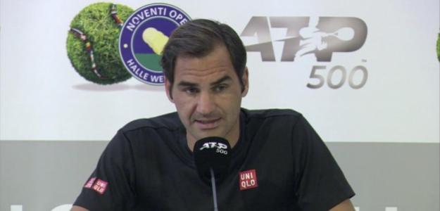Roger Federer en sala de prensa. Fuente: Twitter