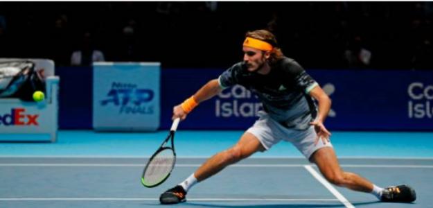 Stefanos Tsitsipas gana a Daniil Medvedev en ATP Finals 2019. Foto: gettyimages