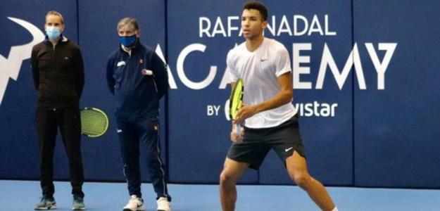 Toni Nadal observado un entrenamiento de Aliassime: Fuente: Rafa Nadal Academy