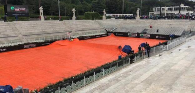 Las pistas en Roma, tapadas por la lluvia. Foto: Ubitennis