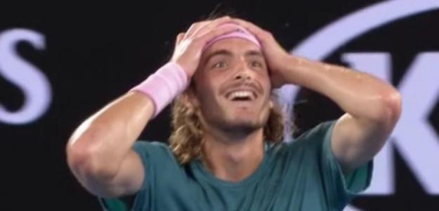 El griego tumba a Federer para estar en los cuartos de Australia.