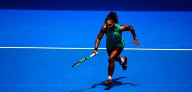 Serena Williams vuela en la Rod Laver Arena. Fuente: Getty