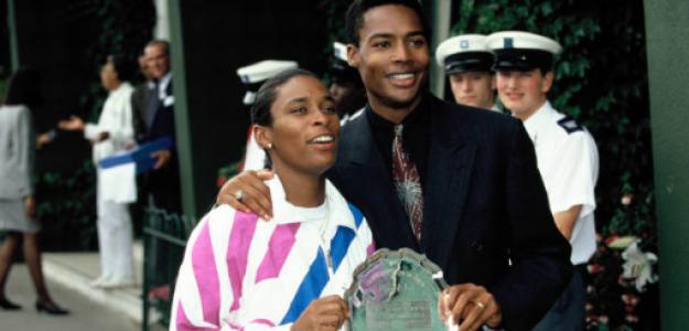 Zina Garrison, con el trofeo de subcampeona de Wimbledon. Fuente: Getty