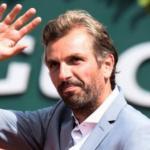 Benneteau acusa a Federer de recibir privilegios por parte de los Grand Slams