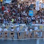 Manifestación en Suiza en contra de Roger Federer